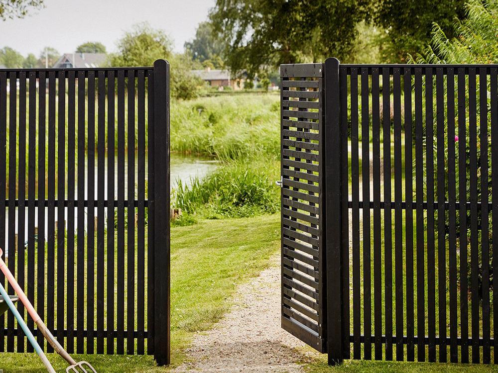 Plus Sendai Zaun Kiefer-Fichte schwarz 180 × 140 cm Designzaun