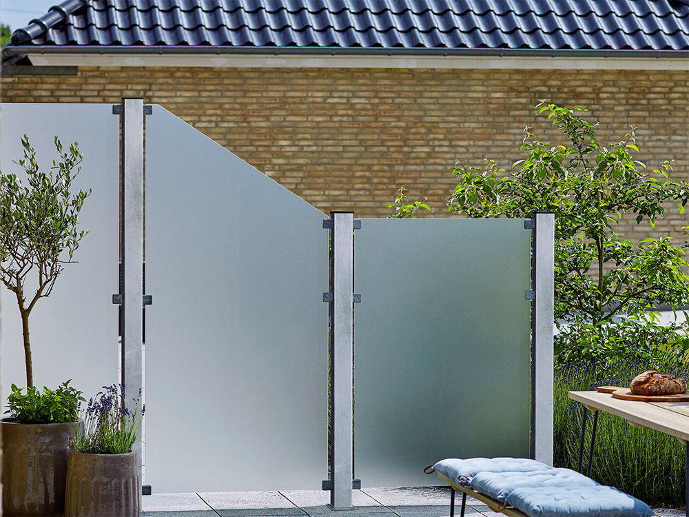 Plus Futura WPC Zaun mit satiniertem Glas 180 x 180 cm dänische Garten-und Terrasse mit Windfang